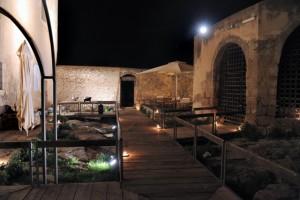 Castello Colonna-Enriquez (foto tratta da stradadelvinocerasuolodivittoria.it)